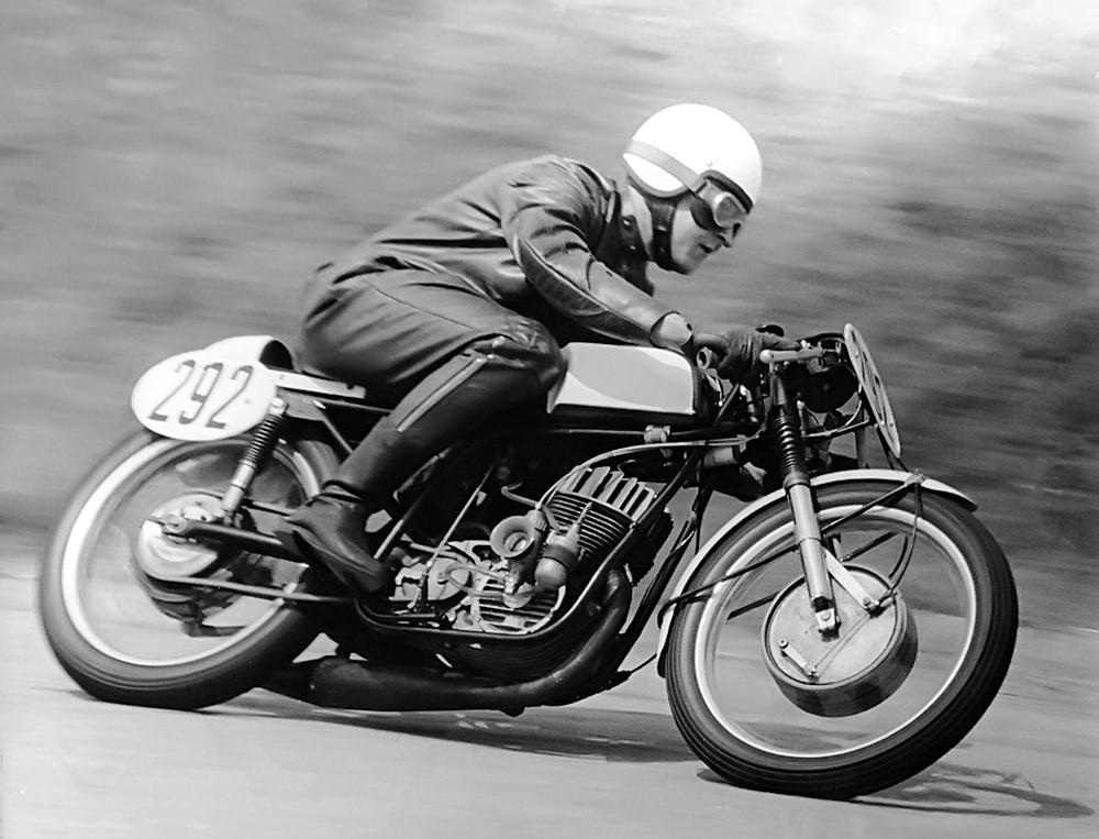 MZ de course Hartmut_Tha%C3%9Fler_Motorradrennsport_01