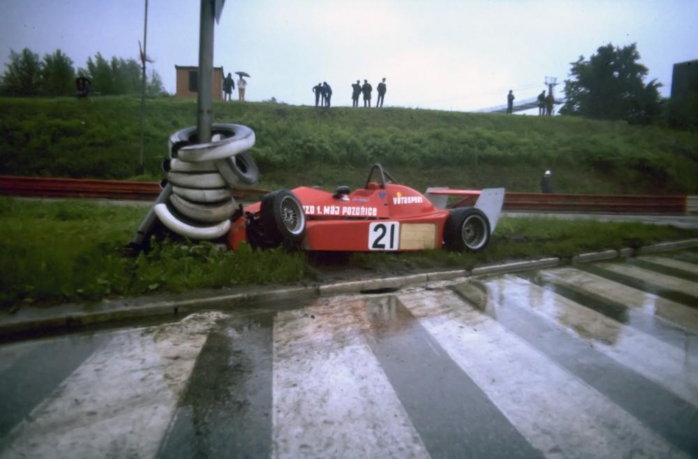 Crashs Seite 1 - Die Formel 1 des Ostens